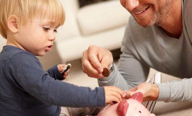 Numărul beneficiarilor de indemnizaţii pentru creşterea copilului a crescut la 176.472, în noiembrie