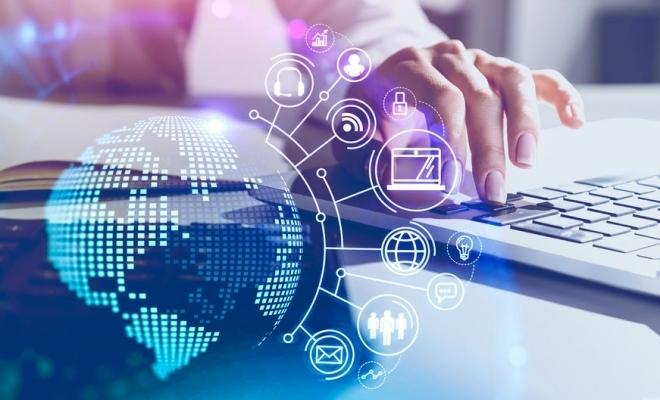 Raport: Externalizarea serviciilor IT poate rezolva expertiza insuficientă din companii şi aduce economii de bugete