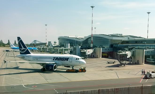 Aeroporturile bucureștene au înregistrat anul trecut o scădere a numărului de pasageri cu 69,7%