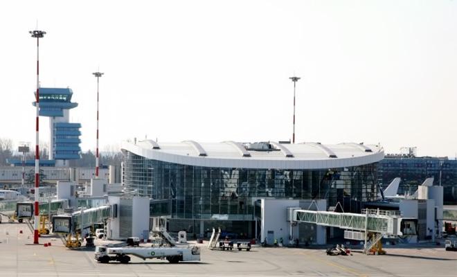 Opt puncte de control ale DSP funcţionează pe fluxul de sosiri internaţionale al Aeroportului Henri Coandă