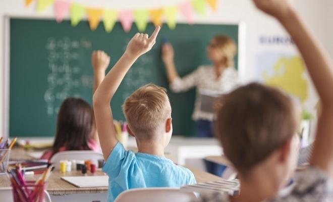 Au fost aprobate metodologia și calendarul de înscriere a copiilor în învățământul primar pentru anul școlar 2021-2022