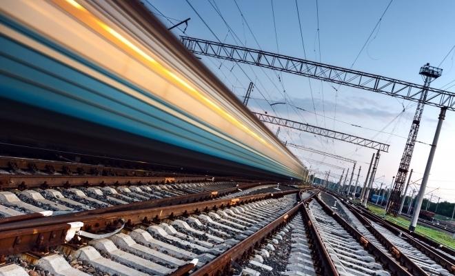 CFR Călători introduce astăzi în circulaţie un nou tren între Bucureşti Nord şi Constanţa