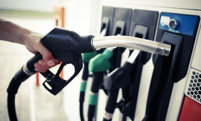 Bloomberg: Prețul benzinei crește în Europa, chiar dacă cererea este afectată de carantină