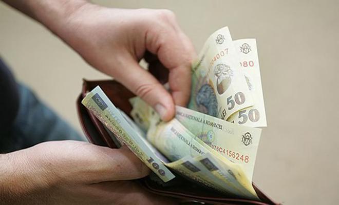 INS: Câștigul salarial mediu brut a crescut, în martie, cu 288 lei față de februarie, până la 5.785 lei