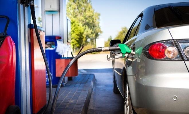 Comisia Europeană intenționează să interzică vânzarea de noi automobile pe benzină și motorină începând din 2035