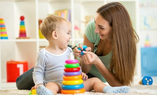 Numărul beneficiarilor de indemnizații pentru creșterea copilului a scăzut la 177.286, în luna mai