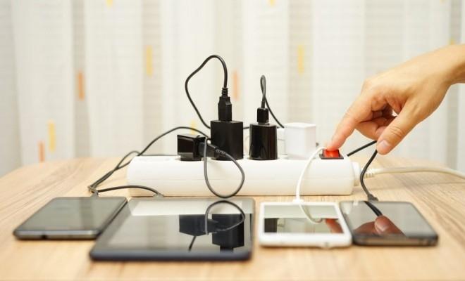UE, în faza de finalizare a unui proiect pentru un încărcător de telefon universal