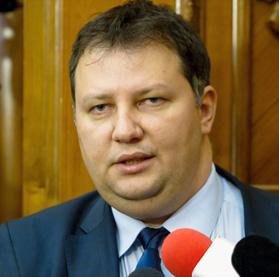 Toma Petcu,  ministrul Energiei